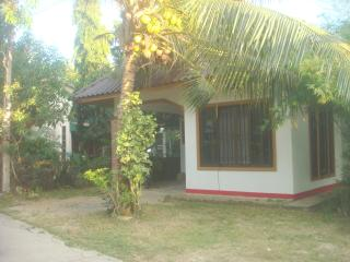1493 : CHAT 1, 2 bedrooms 1.5 KM to Bangtao Beach., Bang Tao Beach