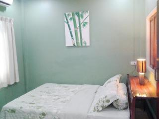 9373 : ST 1, 1 bedroom 1.5 KM to Bangtao Beach