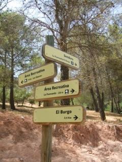 Way marked paths around El Burgo