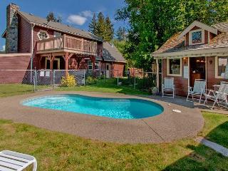 Private Pool!  Elk Meadows Lodge! *Free Nights* Slps 11, Cle Elum
