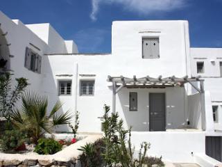 Villa Isterni Mesogios 2, Paros