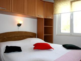 Red Star Apartment, Hvar