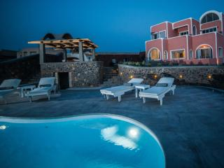 ourvillasantorini, Santorini