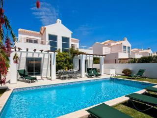 Villa Manuel - 4 bedroom villa, walk to beach, restaurants and supermarket