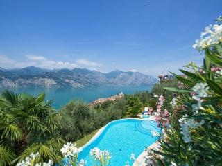 Villa Mansarda 1, 2 Bedroom, Sleeps 6, Lake Views
