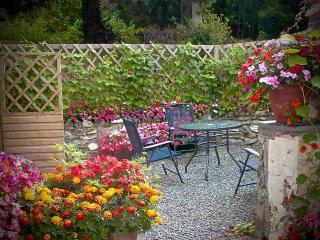 Private Courtyard Garden - Perfect for Al Fresco Dining