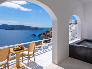 Infinity Blue Villa, Private Jacuzzi and Sea view, Oia