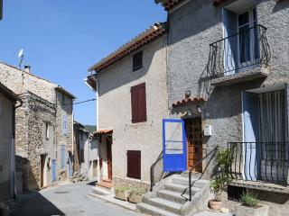 Medieval, Provencal 2 Bedroom Village House (Laven