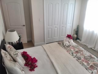 Modern 3 Bed Hideway, Nassau