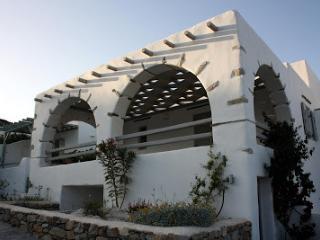 Villa Isterni Mesogios 3, Paros