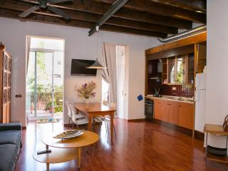 Amazing loft up to 4 people. Private Terrace, Barcelona