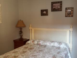 Habitación matrimonio cama de 150  baño compartido