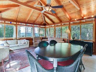 Secluded, wooded & dog-friendly home on the lake w/ elegant decor, South Hero
