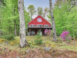 Retreat w/ dock & stunning lake views, only 45 minutes from Bar Harbor, Dedham