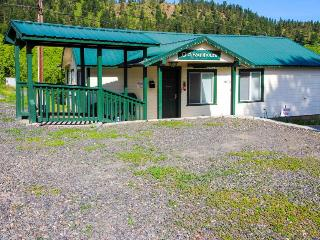 Pet-friendly cottage close to Smallwood's Farm, Leavenworth