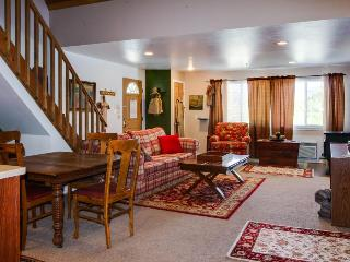 Charming farm cottage for six, close to Leavenworth!