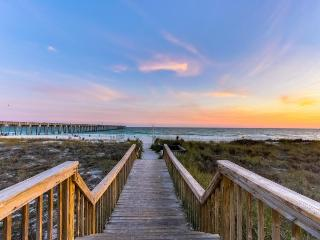Spacious home w/two sundecks, ocean views, walk to the beach, Panama City Beach