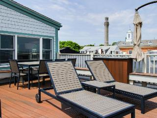 Oceanfront penthouse right on the beach & Commercial St - newly renovated!, Provincetown