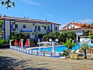 SUGAR FAMILY APART HOTEL