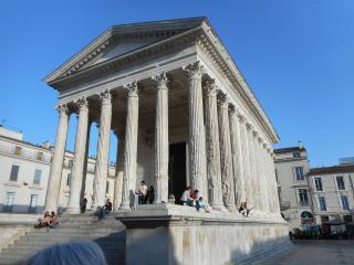 Nimes-Saint cesaire, Nîmes