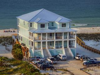 Castle in the Sand West! Gulf-front w/prvt pool!! 9 bd/ 10 bath, Sleeps 14-26!!