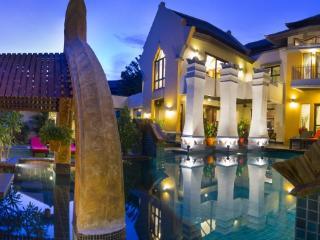 Villa Jai Dhee, astonishing villa in Bali style, Pattaya