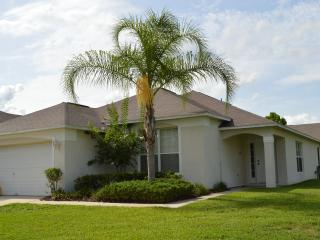 Westridge The Manors 4 bedroom private pool home., Davenport