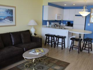 1BR OC Front, Tile & Hardwood floors, Free WIFI, Daytona Beach