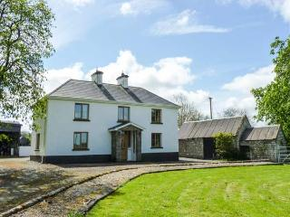 CAMMAGH COTTAGE, detached farmhouse, woodburner, en-suites, football table