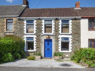 ADREF, woodburner, WiFi, enclosed garden, short drive from Swansea, Ref 924467, Pant-y-Dwr