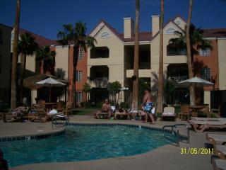 HOLIDAY INN DESERT CLUB RESORT, Las Vegas