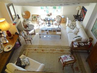Provence:  Uzes, Near Place Aux Herbes, 1 BR Apartment with Pool, 16th c home,