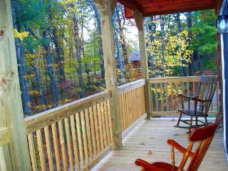 'CAROLINA MTN DEW'  Quaint Log Cabin -New Years Weekend Available!, Glendale Springs