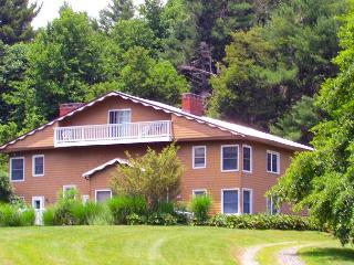 'MOUNTAIN VIEW RETREAT' Blue Ridge Parkway Lodge - New Years Weekend Avail!, Glendale Springs