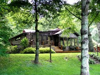 COZY RIVERSIDE LOG CABIN W/FIRE PIT, WIFI & LARGE DECK! BOOK NOW FOR SUMMER!