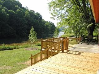 Fish From The Banks Of The New River! Fire Pit, WiFi, & Pets Welcomed!, Jefferson