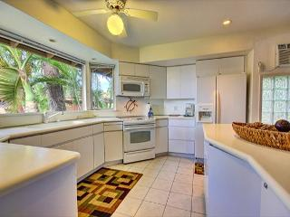 57-1 Private townhome with both ocean and garden views near Old Lahaina town