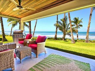 Easy Accessible Oceanfront Luxury Townhome in Puamana, Lahaina