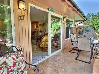 Spacious Townhome Near Pool and Ocean., Lahaina