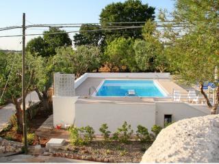 Villa nel cuore della Puglia con piscina e campo da tennis riservati