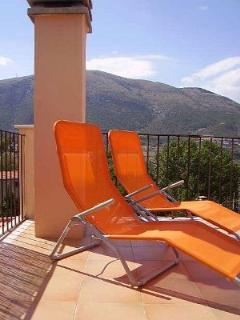 Relax on Casa Rosas roof terrace