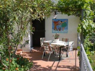 Casa Blu al mare in Villa ArcobalenoIMPERIA