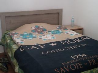 lovely double room in a private house, Holon