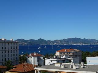 Super Sea View, 3 bedrooms, 8 Guests, 5min walk Port Canto