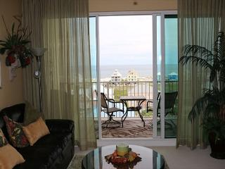 BEAUTIFUL THREE BEDROOM CONDO, Fort Morgan