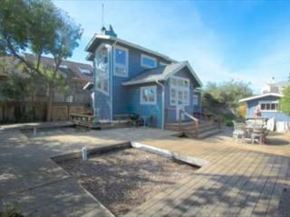 Charming beach cottage w/ views of the ocean from the second story, Stinson Beach