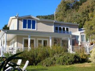 Large estate like home with ocean views, gardens and a private pool!, Stinson Beach