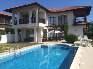 Luxury Villa With Private Pool, Sunny Beach