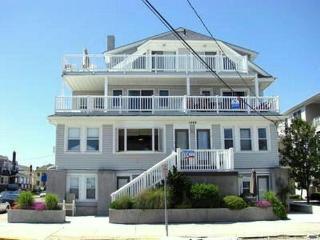 1446 Ocean Avenue, Top Floor, #7 122616