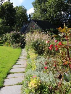 The path to 'la maison du jardinier'